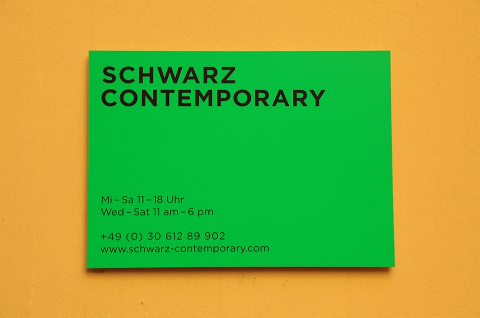 Schwarz Contemporary