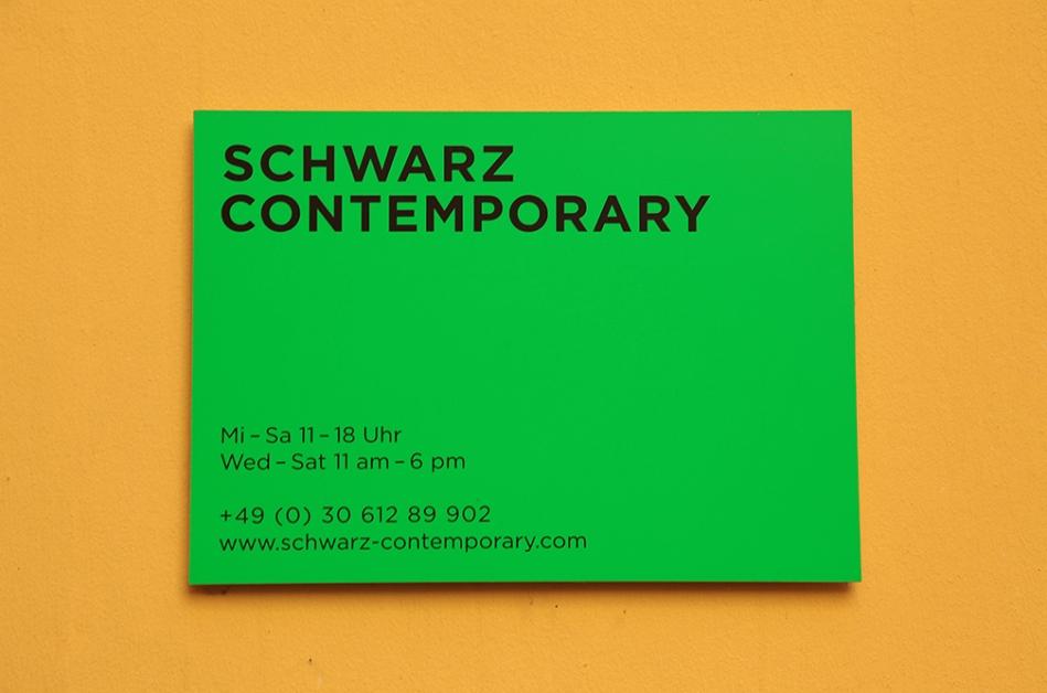 Schwarz Contemporary